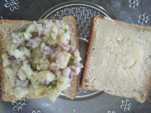 Mashed potato filling on bread