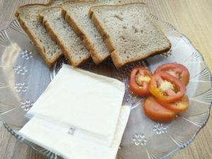 Prep for tomato cheese sandwich