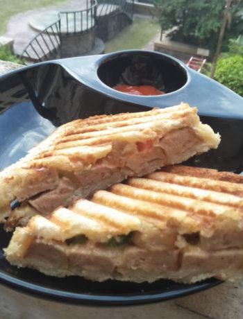 Hummus Chicken Sausage Sandwich