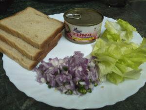 Spicy tuna sandwich prep